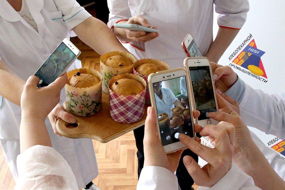 Как правильно приготовить кулич в Пасхе. Пять секретов и один рецепт. Фото: Аркадий Колыбалов / РГ
