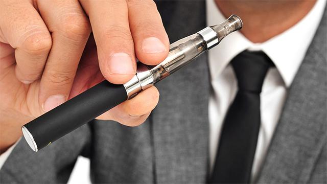 приравнять электронные сигареты к табачным изделиям